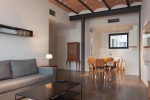 Deco Apartments – Diagonal, Ferienwohnungen  Barcelona - big - 71