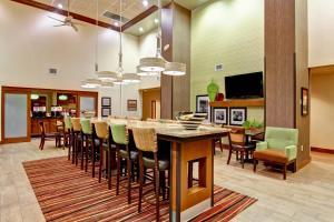 Hampton Inn & Suites Leesburg, Szállodák  Leesburg - big - 26