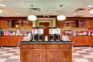 Hampton Inn & Suites Leesburg, Szállodák  Leesburg - big - 22
