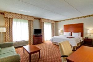Hampton Inn & Suites Leesburg, Szállodák  Leesburg - big - 5