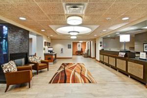 Hampton Inn & Suites Leesburg, Szállodák  Leesburg - big - 17