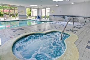 Hampton Inn & Suites Leesburg, Szállodák  Leesburg - big - 16