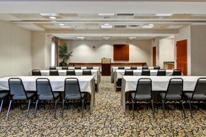 Hampton Inn & Suites Leesburg, Szállodák  Leesburg - big - 14