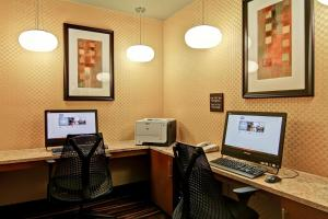 Hampton Inn & Suites Leesburg, Szállodák  Leesburg - big - 11