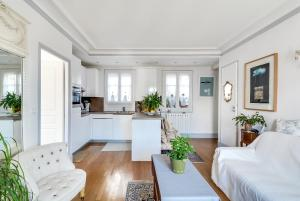 Delightful apartment Sacre Coeur feet