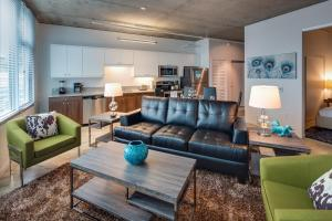 10th Avenue Apartment by Stay Alfred - San Diego