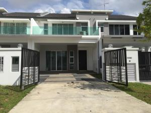 Quiet, Cozy Green 2-Storey@Legoland, Homestays  Johor Bahru - big - 1