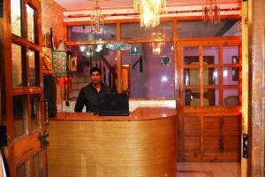 Kunal Hotel & Cottages