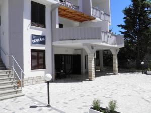 Apartments Benjo, Apartmanok  Novalja - big - 38