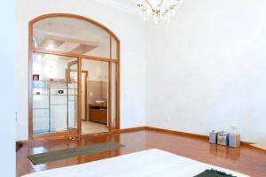 Opera Apartment, Apartments  Budapest - big - 11