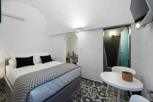 Modernity Suites(Fira)