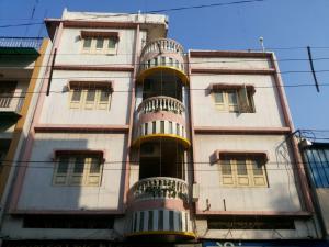 Hotel Giri