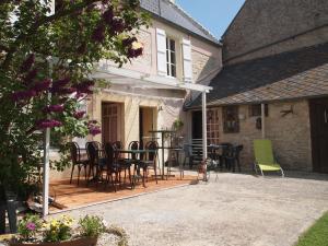 Chambres et Tables d'hôtes à l'Auberge Touristique, Bed & Breakfast  Meuvaines - big - 71