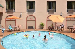 Country Cascades Waterpark Resort, Hotels  Pigeon Forge - big - 38