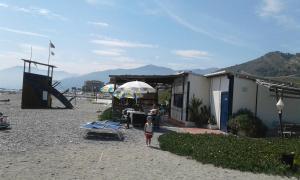 Casa Med Holiday Home, Ferienhäuser  Isolabona - big - 33