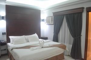 DM Residente Hotel Inns & Villas, Hotels  Angeles - big - 71