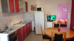Apartments Gule, Apartmanok  Slatine - big - 2