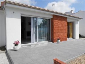 Rental Villa A 200 M Plage Des Bussoleries