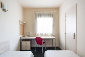 Residencia Universitaria Giner de Los Ríos, Hostels  Alcalá de Henares - big - 18