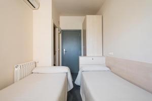 Residencia Universitaria Giner de Los Ríos, Hostels  Alcalá de Henares - big - 17