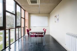 Residencia Universitaria Giner de Los Ríos, Хостелы  Алькала-де-Энарес - big - 27