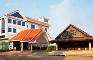 A Picture of NH Elegant Hotel