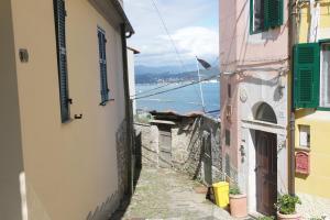 il 23 Holiday Home, Ferienhäuser  La Spezia - big - 40