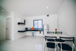 Infinity Bophut Apartments, Отели  Бопхут - big - 3