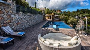 Luxurious Villa Kastro with Salt Water Swimming Pool, Ville  Nikiana - big - 54