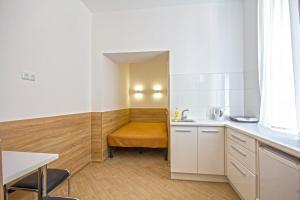 Apartments on Krehivska 7-3