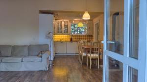 Family Cottage, Prázdninové domy  Gárdony - big - 2