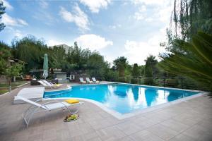 Mando Luxury Resort