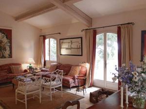 Villa La Souste, Villen  La Garde-Freinet - big - 4