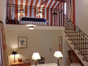 Villa La Souste, Villen  La Garde-Freinet - big - 12