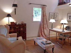 Villa La Souste, Villen  La Garde-Freinet - big - 11