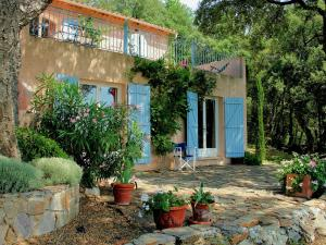 Villa La Souste, Villen  La Garde-Freinet - big - 8