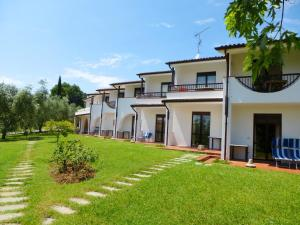 One-Bedroom Apartment in Moniga del Garda I, Сойано-дель-Лаго