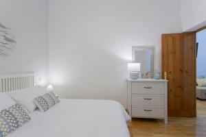 Madrid City Center Santa Ana Apartment