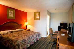 Scottish Inn and Suites