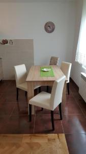 New Airport Apartments, Apartmanok  Belgrád - big - 36