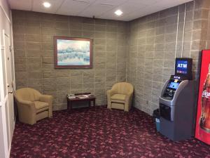 Royal Oak Inn, Hotels  Whitecourt - big - 13