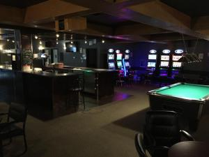 Royal Oak Inn, Hotels  Whitecourt - big - 17