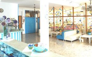 Hotel Lux, Hotel  Cesenatico - big - 102