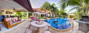70443697 Relaxing Palm Pool Villa and Tropical Garden พัทยา