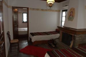 Vera's Traditional House, Апартаменты  Загора - big - 23