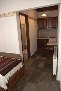 Vera's Traditional House, Апартаменты  Загора - big - 123