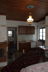 Vera's Traditional House, Апартаменты  Загора - big - 6