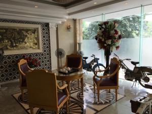 Dang Anh Hotel - Dong Bong, Отели  Ханой - big - 1