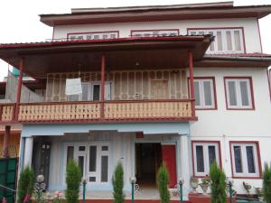 Lassa Bhat Guest House