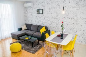 Rafael Apartment